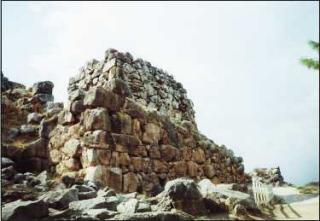 Tíryns: hradby